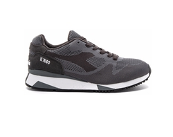 Weave Running Shoes by Diadora in New Girl