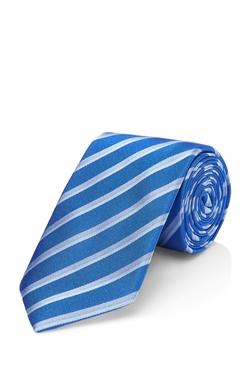 Silk Striped Tie by Hugo Boss in The Legend of Tarzan