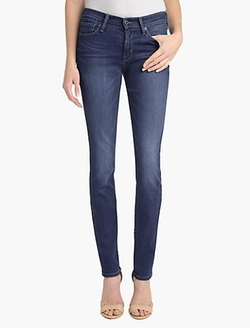 Brooke Straight Leg Jeans by Lucky Brand in Pitch Perfect 2