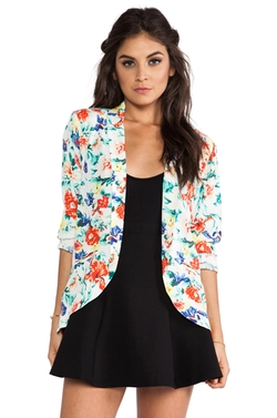 Flower Crush Blazer by Mink Pink in Pitch Perfect 2