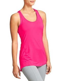 Chi Tank Extra Long Top by Athleta in Pitch Perfect 2