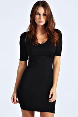 V-Neck Short Sleeve Bodycon Dress by Maggie in This Is Where I Leave You