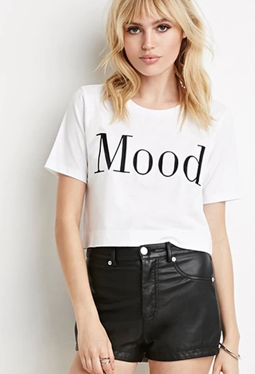 Mood Graphic Tee by Forever 21 in Scream Queens - Season 1 Episode 11