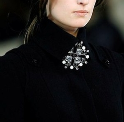 Fall 2006 Big Brooch by Chanel in Sex and the City