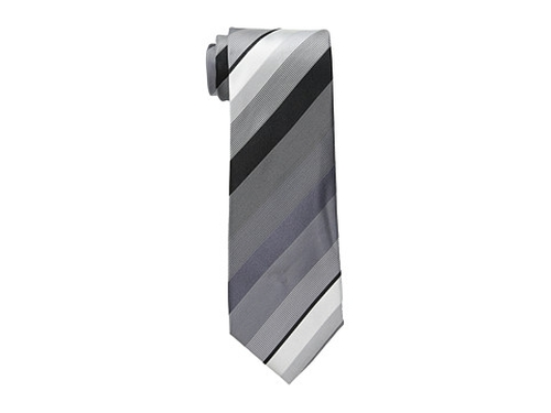 King Stripe Tie by Kenneth Cole Reaction in The Spy Who Loved Me