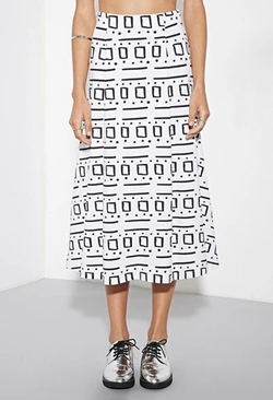 The Fifth Label Minds Wonder Skirt by Forever 21 in Quantico