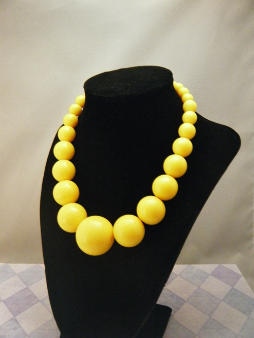 Sunshine Yellow Beaded Necklace by BitDazzle in Pretty Little Liars - Season 6 Episode 5