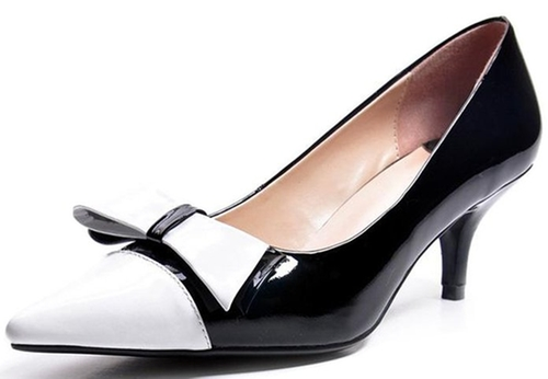 Two-Tone Leather Pointed Toe Pumps by Lizform in Master of None