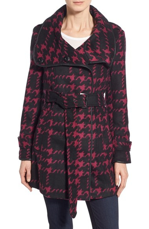Belted Houndstooth Coat by Steve Madden in The Mindy Project - Season 4 Episode 11