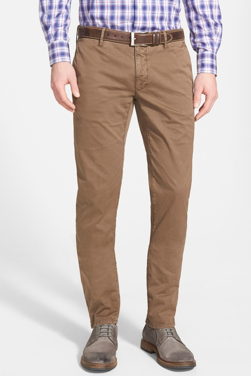 Slim Fit Gabardine Chino Pants by Incotex in The Hateful Eight