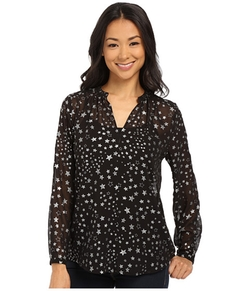 Floating Stars Y-Neck Swing Blouse by TWO by Vince Camuto in Jessica Jones