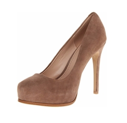 Irina Dress Pumps by Pour La Victoire in The Good Wife