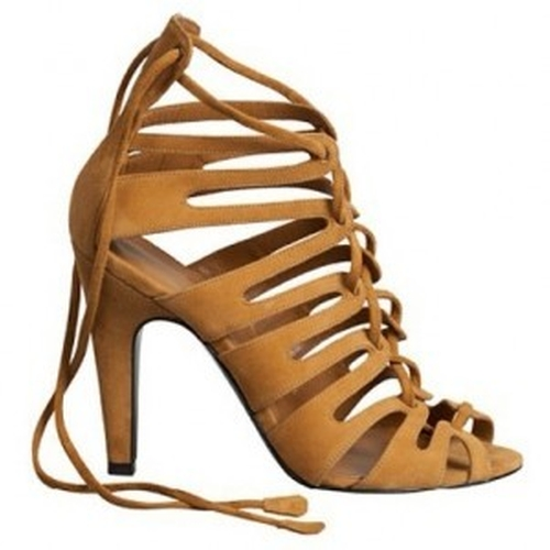 Strappy Sandals by Hermès in Keeping Up With The Kardashians - Season 11 Episode 11