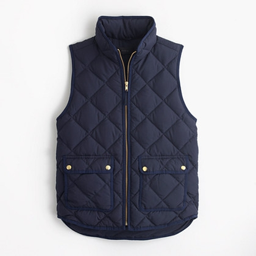 Excursion Quilted Down Vest by J.Crew in Modern Family - Season 7 Episode 17