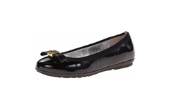 Total Motion Bow Ballet Flats by Rockport in The Big Bang Theory