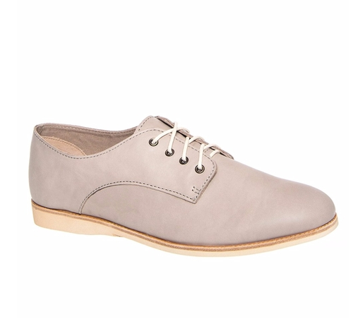 Derby Low Heel Oxford Shoes by Rollie Nation in Unbreakable Kimmy Schmidt - Season 2 Episode 7
