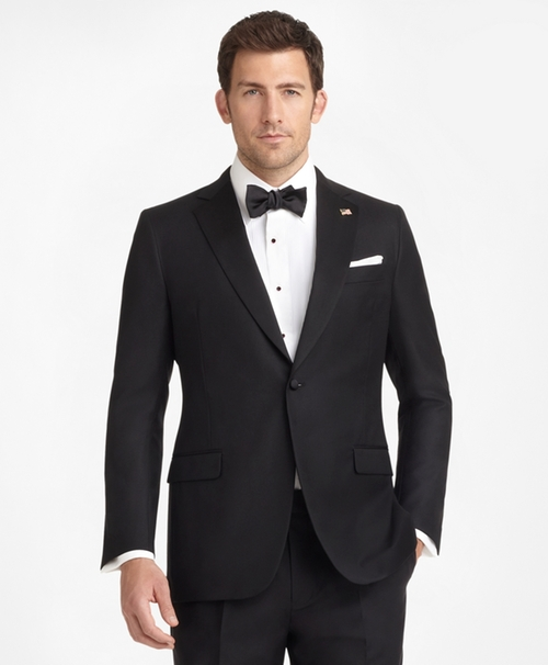 One-Button Notch Tuxedo by Brooks Brothers in The Flash - Season 2 Episode 10