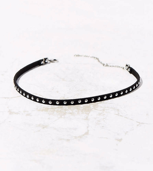 Studded Choker Necklace by Urban Outfitters in Pretty Little Liars - Season 7 Episode 10