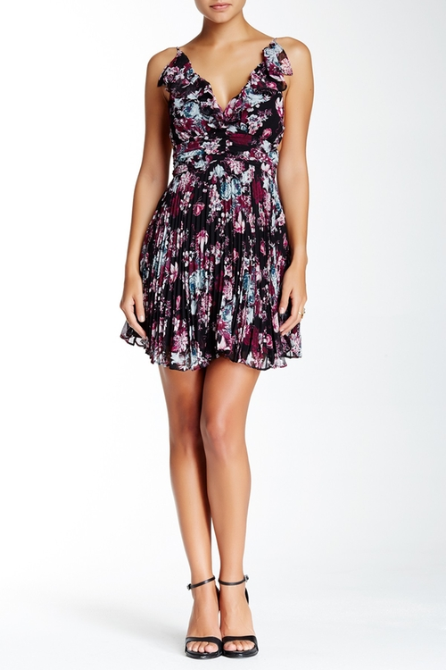 Floral Print Sleeveless Dress by BCBGeneration in The Big Bang Theory - Season 9 Episode 10