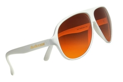 Aviator Sunglasses by Blu Blocker in American Horror Story