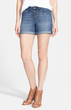 Vintage High Waist Denim Shorts by Jessica Simpson in Pitch Perfect 2