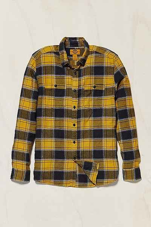 Stapleford Kettle Plaid Flannel Button-DownShirt by Urban Outfitters in The Big Bang Theory - Season 9 Episode 11