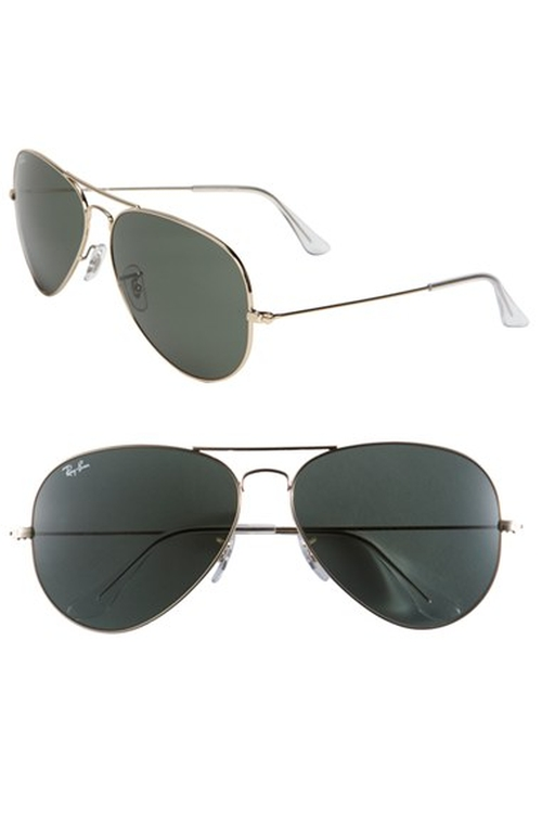 'Large Original Aviator' Sunglasses by Ray-Ban in The Mindy Project - Season 4 Episode 5