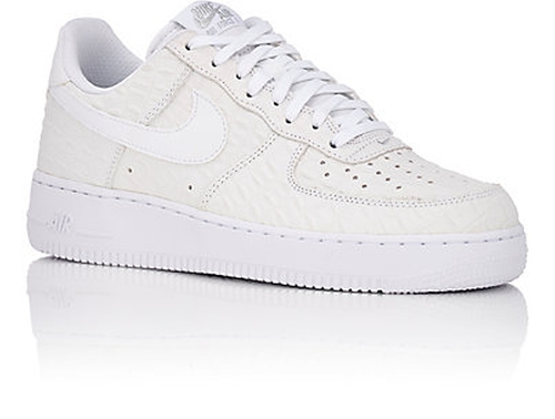 Air Force Sneaker Shoes by Nike in The Heat