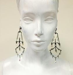 Alison's Custom Earrings by Mariana Harutunian in Pretty Little Liars