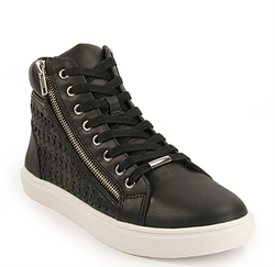 - Eiris - Hi-Top Sneaker by Steve Madden in Sisters