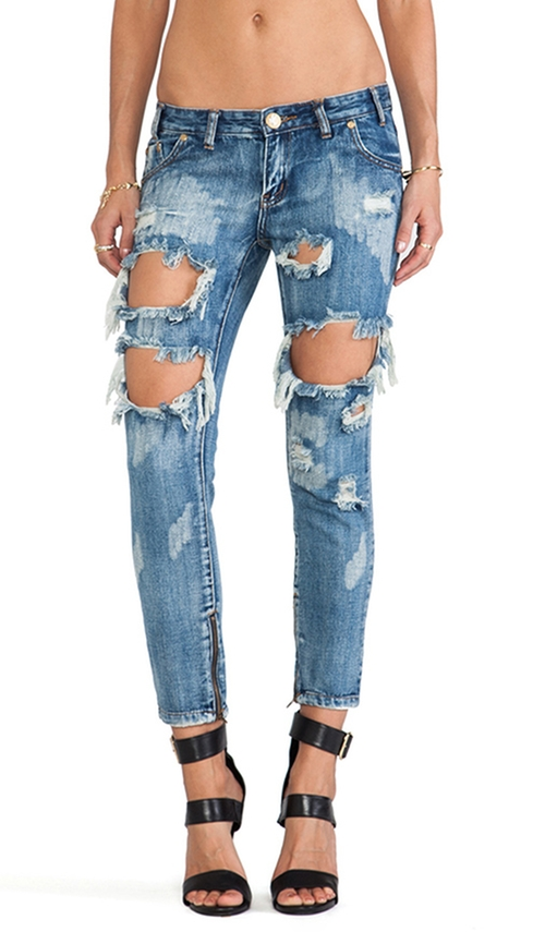 Trashed Freebirds Jeans by One Teaspoon in Keeping Up With The Kardashians - Season 11 Episode 5