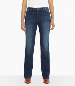 512 Perfectly Slimming Bootcut Jeans by Levi's in Pitch Perfect 2