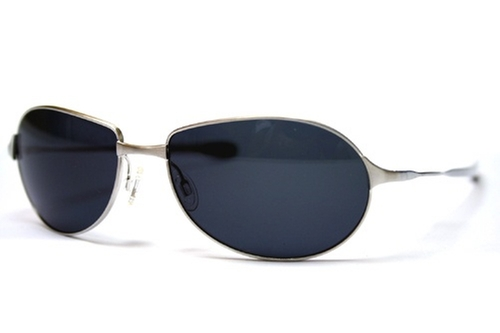 The Whistle Sunglasses by Oliver Peoples in Ocean's Eleven
