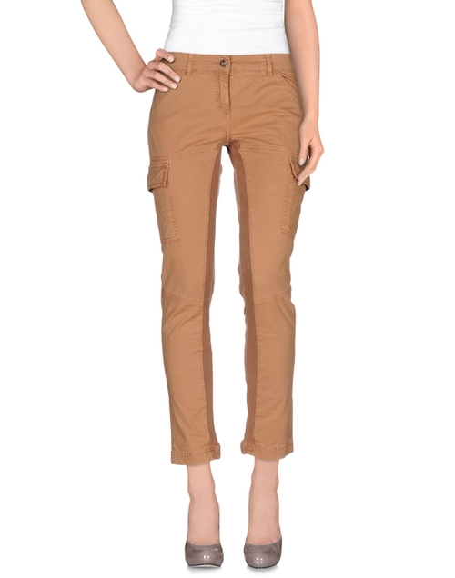 Casual Pants by Pinko Grey in Quantico - Season 1 Episode 4