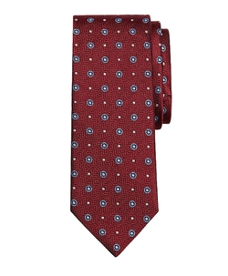 Herringbone Circle Tie by Brooks Brothers in Pitch Perfect 2