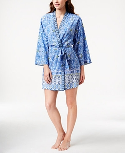 Short Kimono-Sleeve Wrap Robe by Oscar de la Renta in Unbreakable Kimmy Schmidt