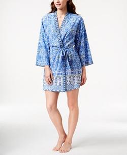 Short Kimono-Sleeve Wrap Robe by Oscar de la Renta  in Unbreakable Kimmy Schmidt