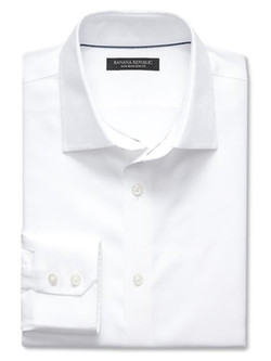 Classic-Fit Non-Iron Solid Shirt by Banana Republic in Pretty Little Liars