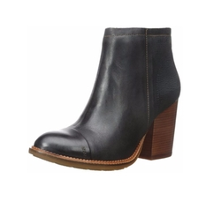 Axelle Dewey Boots by Hush Puppies in New Girl