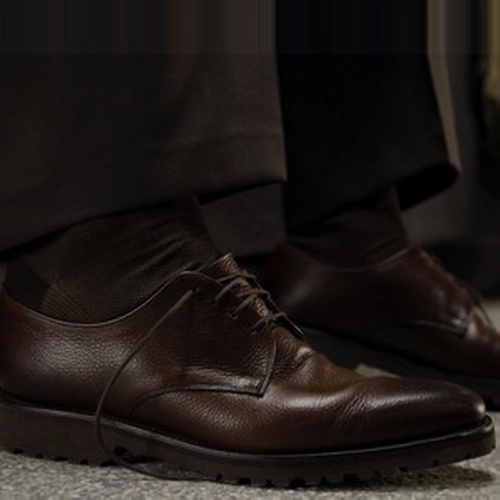 Stream In Auburn Deer Oxford Shoes by Salvatore Ferragamo in The Blacklist - Season 3 Episode 22