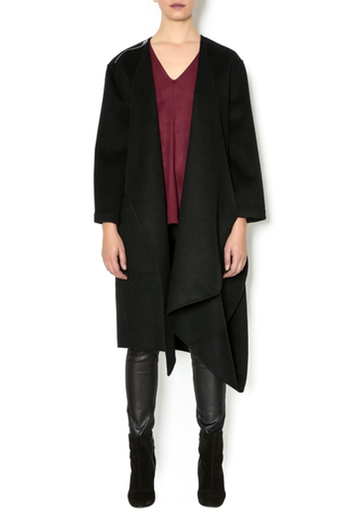 Deconstructed Drape Coat by Raven in Keeping Up With The Kardashians - Season 11 Episode 9