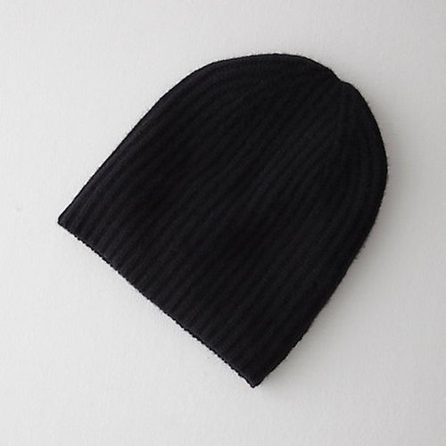 Cashmere Beanie by Steven Alan in Scream Queens - Season 1 Episode 1