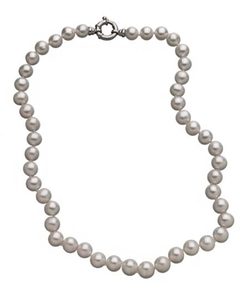 M Pearl Classic White Pearl Necklace by Max&Chloe in The Mindy Project