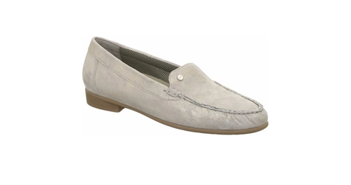 Slip On Loafers by Ara in Supergirl - Season 1 Episode 20