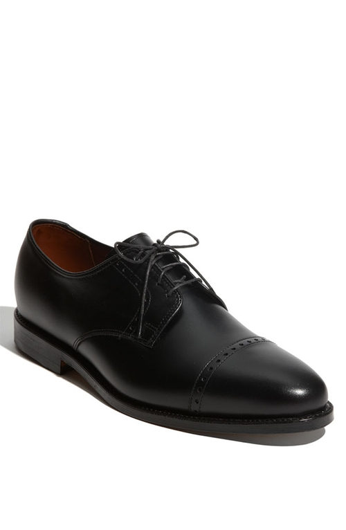 'Clifton' Blucher Oxford Shoes by Allen Edmonds in Suits - Season 5 Episode 3