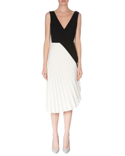 Sleeveless Colorblock Pleated Dress by Roland Mouret in Suits