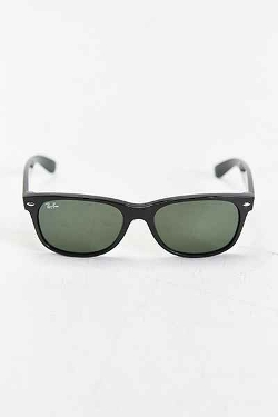 Wayfarer Black Sunglasses by Ray-Ban in The Hangover