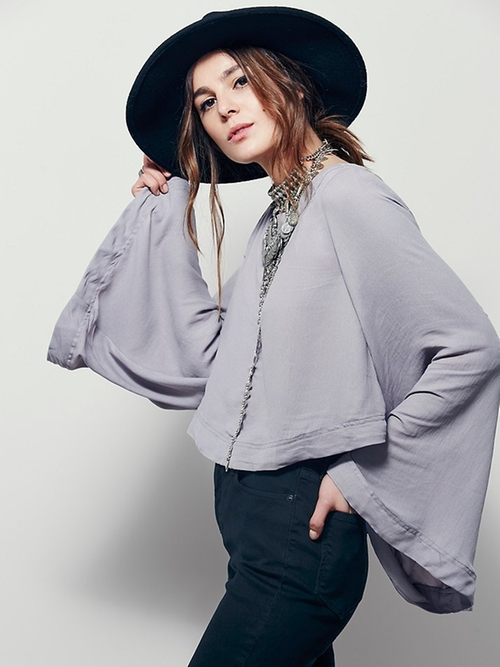 Stars Aligned Top by Free People in Keeping Up With The Kardashians - Season 11 Episode 1