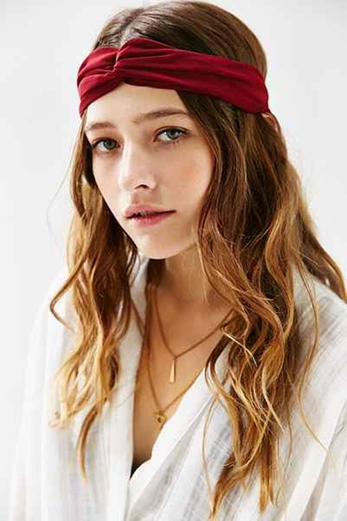 Eva Sheer Crisscross Headwrap by Urban Outfitters in A Very Murray Christmas