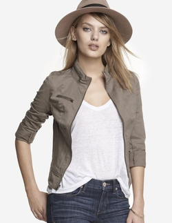 Seamed Twill Cuffed Sleeve Moto Jacket by Express in Sicario